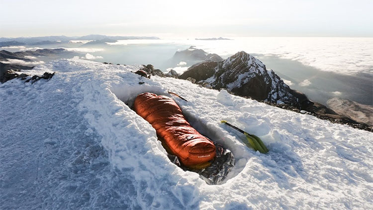 Bivy sack for snow