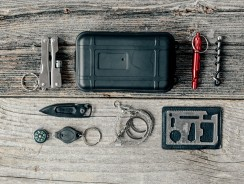 9 Essential Items You Need To Stay Alive Outdoors